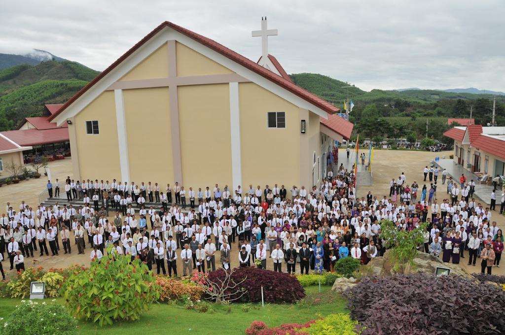Hình ảnh ba Giáo hạt Nha Trang - Diên Khánh - Vạn Ninh hành hương Mẹ Nhân Lành - Khánh Vĩnh
