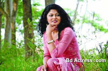 Bangladeshi Actress and Lux Superstar Moushumi