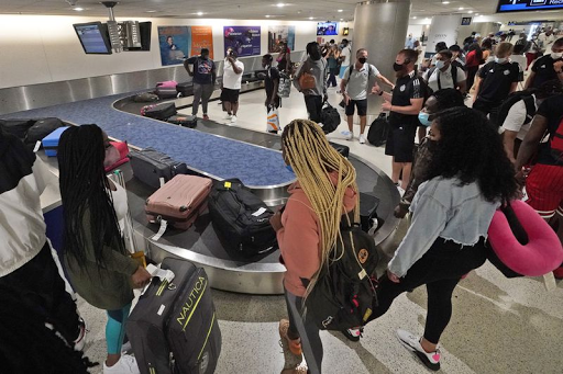 Travel rebound: 2 million people go through US airports Friday