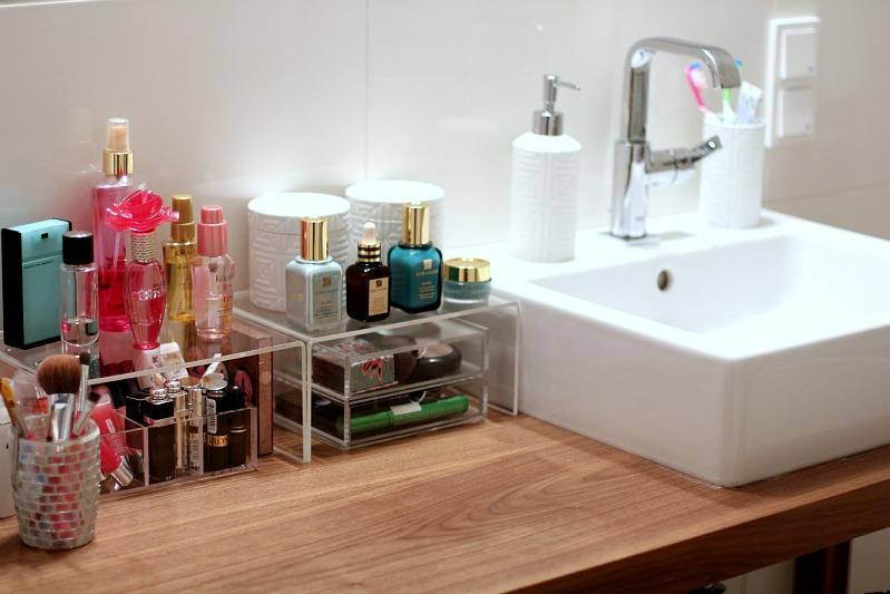 Bathroom%2520organization%2520%252004