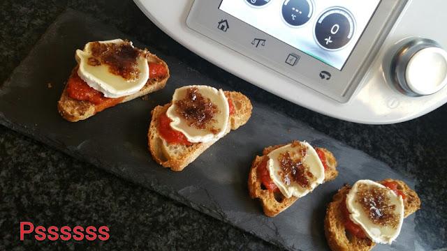 Tostada de compota de tomate y queso de cabra en thermomix ®
