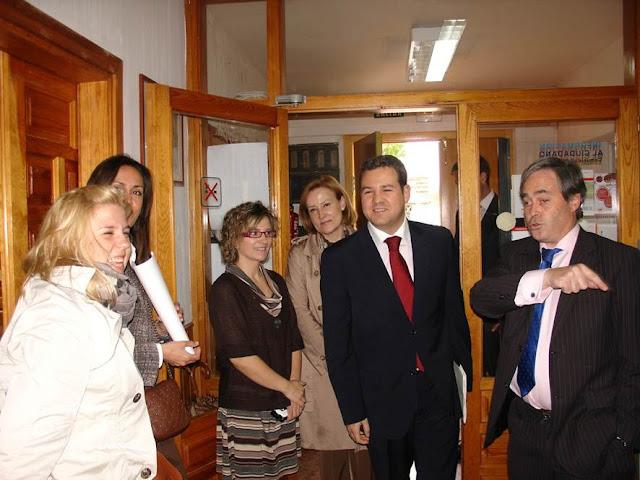 Nuevo bazt n oficina conjunta de atenci n al ciudadano for Oficinas atencion al ciudadano madrid