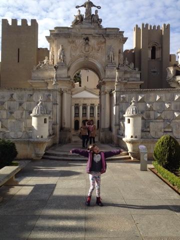 niños monumentos parque Coimbra