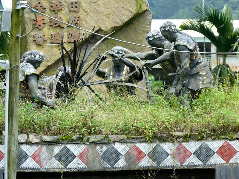 Puli  en passant , entre autres, par les villages de l ethnie Bunum de Loloko et Dili. J 10 - P1160987.JPG