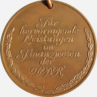 293a Medaille für hervorragende Leistungen im Finanzwesen der Deutschen Demokratischen Republik in Bronze www.ddrmedailles.nl