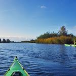 023-We paddelen het Steurgat af op zoek naar de doorgang naar het nieuwe vaargebied in de Noordwaard.
