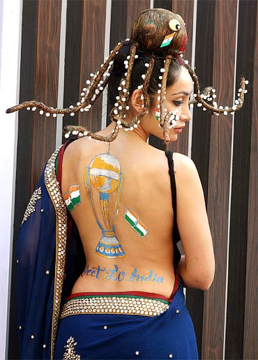 Cricket Fashion, ICC world cup, world cup hair style, cricket girl fashion, Actress Mink Bares her Back, Assorted Fans style, hair style, sexy cricket girl fashion