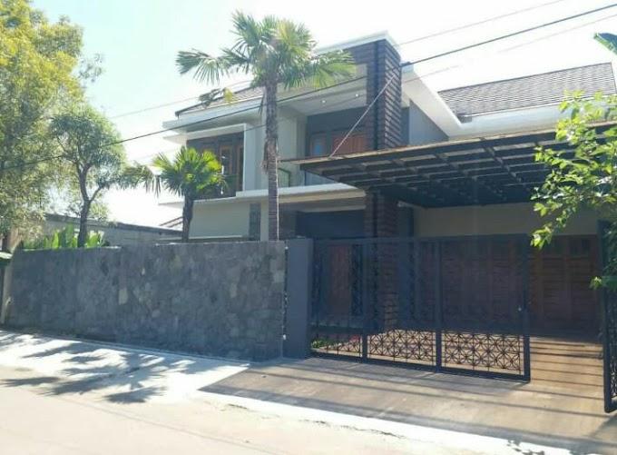Rumah Mewah Luxury Kolam Renang Pinggir Jalan Kawasan Elite Exclusive Colomadu Solo