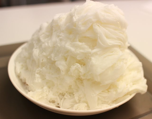 turning-shaved-ice-into-white-amature-couples-video