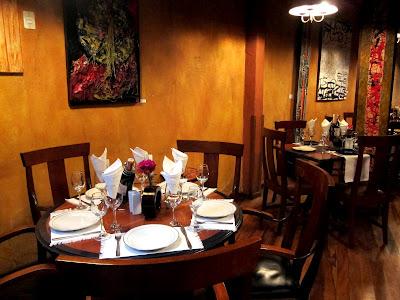 Table at La Comedie restaurant in La Paz Bolivia