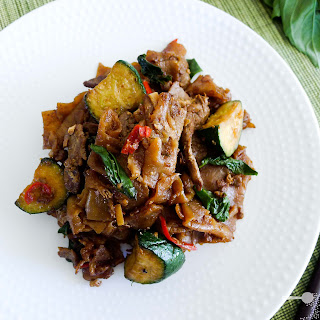 Beef, Basil (and Chilli) Pad Se Ew.