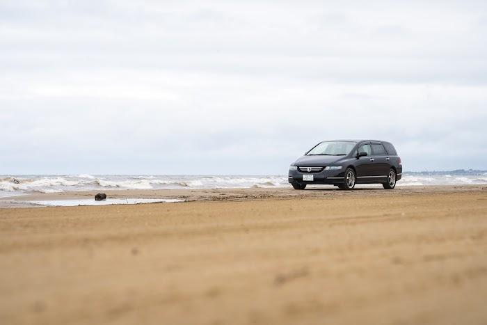 砂浜を愛車で駆け抜ける思い出 千里浜なぎさドライブウェイ 石川県羽咋市