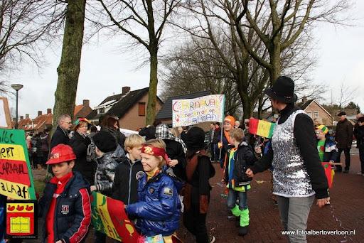 carnavalsfeest op school 08-02-2013 (39).JPG