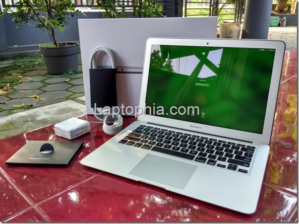 Perlengkapan Apple Macbook Air MMGF2