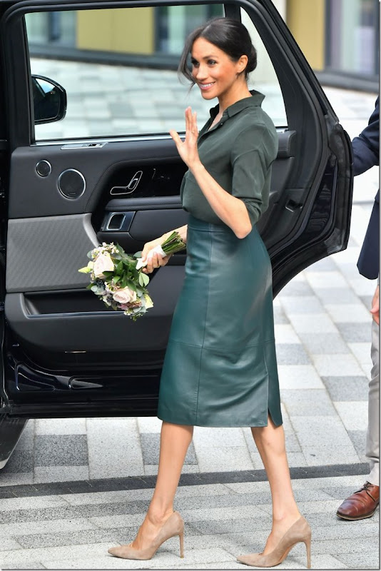 meghan-duchess-of-sussex-departs-from-the-university-of-news-photo-1045005348-1538570583