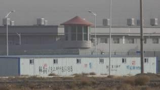 Muslim Uighur Dipaksa Makan Babi Setiap Hari Jumat saat Berada di Kamp Pendidikan Ulang Xinjiang
