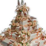 10. kép: Esküvői torták - Esküvői emeletes rózsás szalagos torta