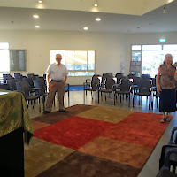 אולם התפילות והלימוד. The prayer and study hall.