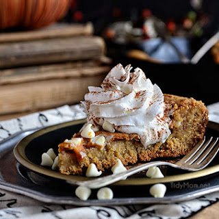 Pumpkin Cheesecake Skillet Blondie