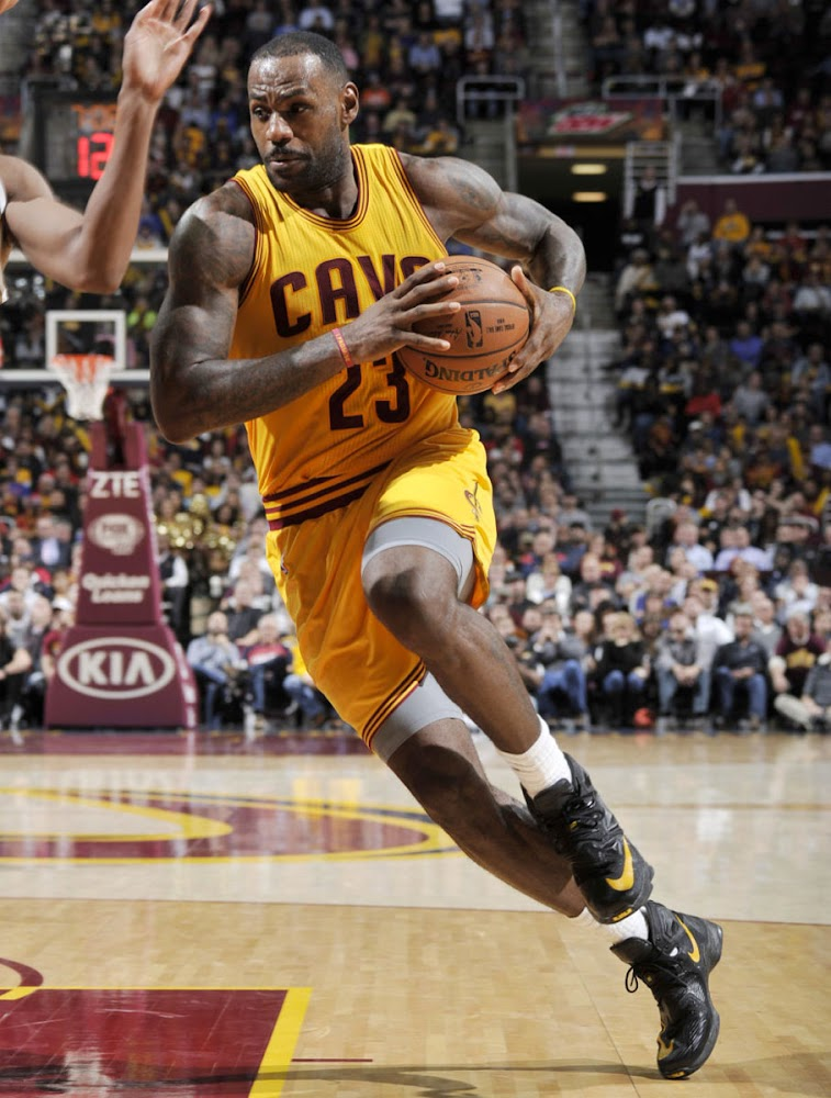 reputable site 9ecd5 7d3dc ... King James Debuts the Nike LeBron XIII 13 Away Edition ...