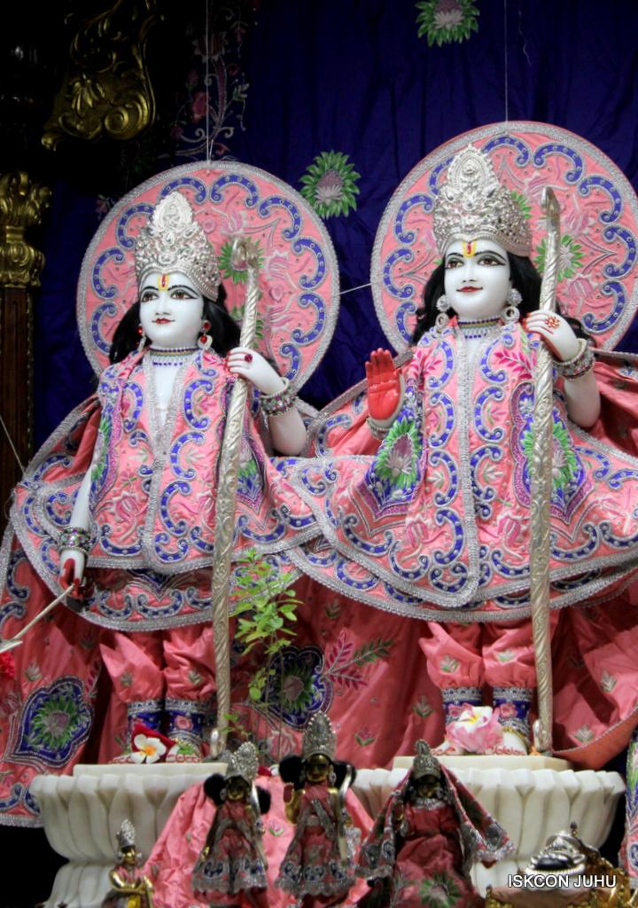 ISKCON Juhu Mangal Deity Darshan on 30th Sep 2016 (10)