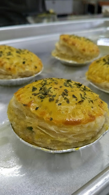 PUFF PASTRY & CHICKEN FILLING