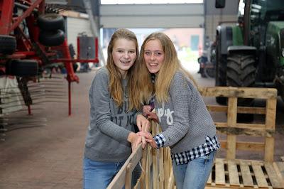 Terbroek Huttenbouwfeest bij Fam Berkhof    20--10--2016