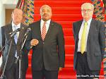 De gauche à droite; Martin Kobler, Représentant spécial du Secrétaire général de l'Onu pour la RDC, Chungong Ayafor, doyen des corps diplomatique et Ambassadeur du Cameroun et Jean-Michel Dumond, Ambassadeur de la commission de l'Union Européenne lors de consultations organisées par le Président Joseph Kabila dans son bureau officiel le 11/06/2015 à Kinshasa. Radio Okapi/Ph. John Bompengo