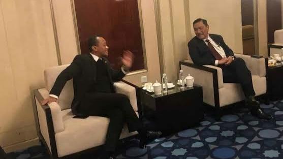 Bukan Jokowi, Tapi Luhut dan Bahlil Bertanggung Jawab Atas Gaduh Investasi Miras