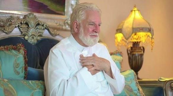 Masya Allah, Sosok Pastor Yang Jadi Mualaf Setelah Menerjemahkan Al Qur'an. Yuk Simak Kisahnya