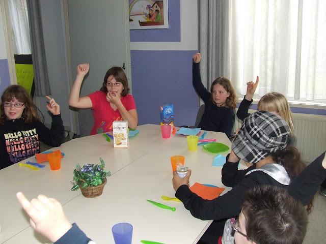 Sobere maaltijd voor de kinderen van de kinderkerkclub. - DSCF5772.JPG