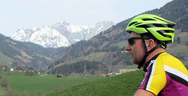 Auf den Höhen des Taunernradwegs: Chris on the Bike
