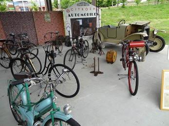 2017.05.13-007 garages et vélos