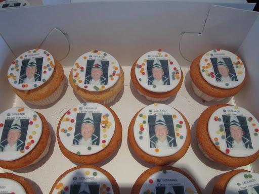 Carnaval Cupcakes.JPG