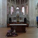 Eglise Notre-Dame de Taverny : choeur et retable Renaissance en pierre taillé