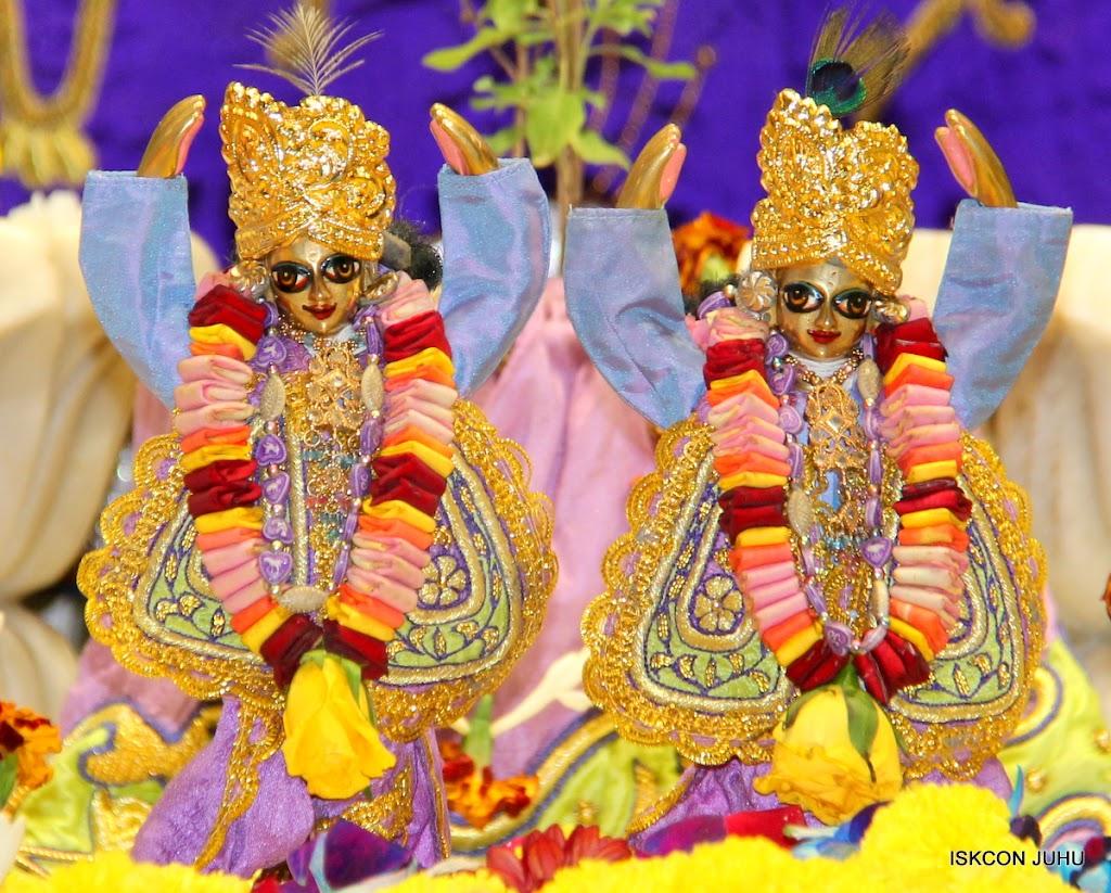 ISKCON Juhu Sringar Deity Darshan 11 Jan 2016  (31)