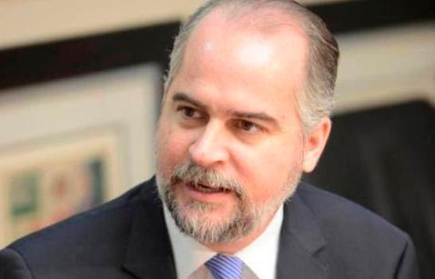 El COVID-19 vuelve al ataque con los funcionarios del Gobierno
