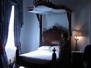 0830Inside_a_Southern_Mansion_-_New_Orleans