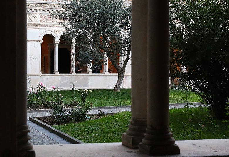 Le cloître de la Basilique Saint-Jean de Latran à Rome.