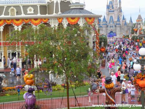 The Crowd Mickey Not So Scary Halloween Party In Magic Kingdom