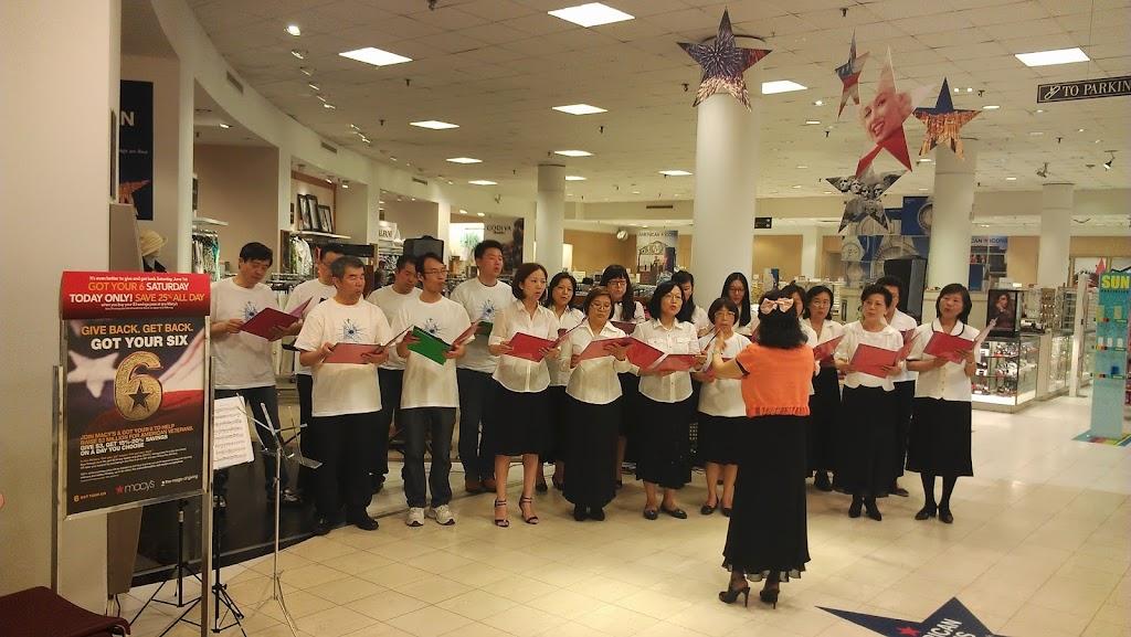 Choir performs at Macy
