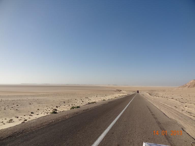 Marrocos e Mauritãnia a Queimar Pneu e Gasolina - Página 5 DSC05850