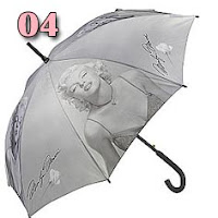 guarda-chuva preto e branco estampado com a Marilyn Monroe