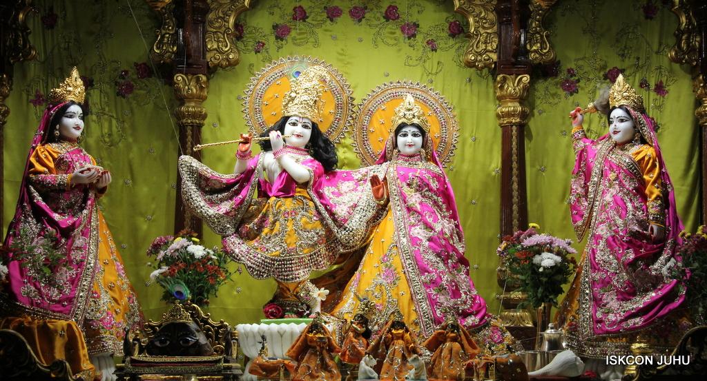 ISKCON Juhu Mangal Deity Darshan on 3rd Oct 2016 (17)