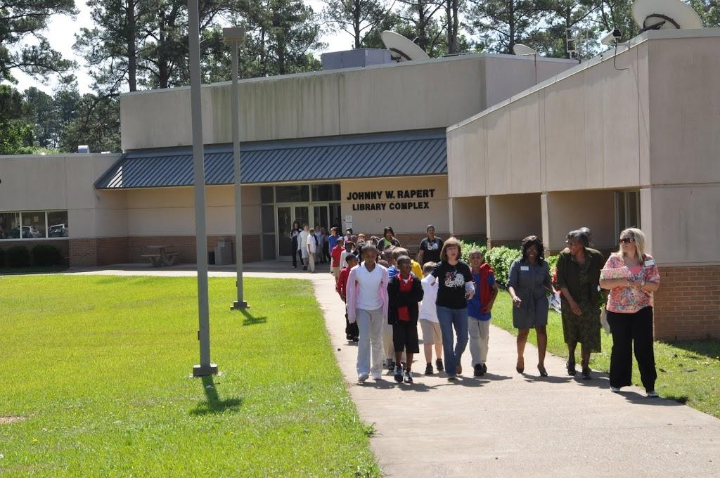 Camden Fairview 4th Grade Class Visit - DSC_0084.JPG