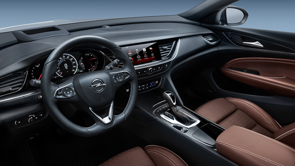 Opel-Insignia-Sports-Tourer interior