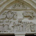 Collégiale Notre-Dame de Crécy-la-Chapelle : tympan de la porte occidentale