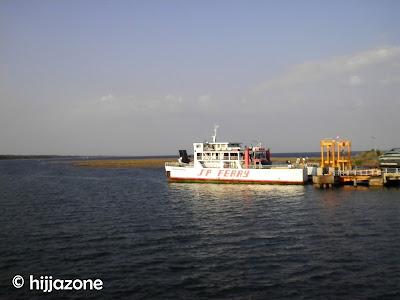 Ferry at Kayangan
