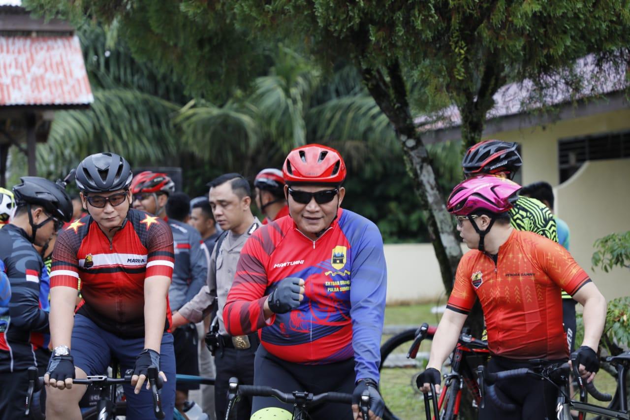 Jaga Kebugaran Tubuh,  Kapolda Sumut Tempuh Jarak 68 Km Menuju Tanah Karo
