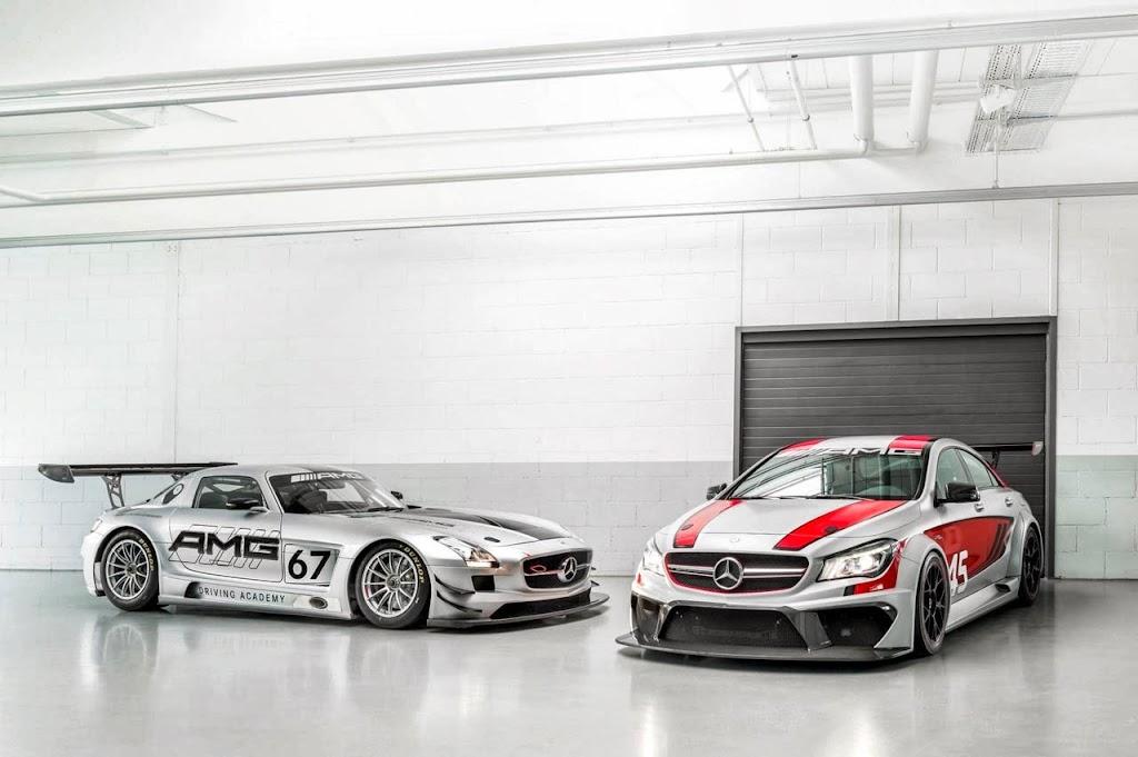 Mercedes Benz CLA 45 AMG Racer 7